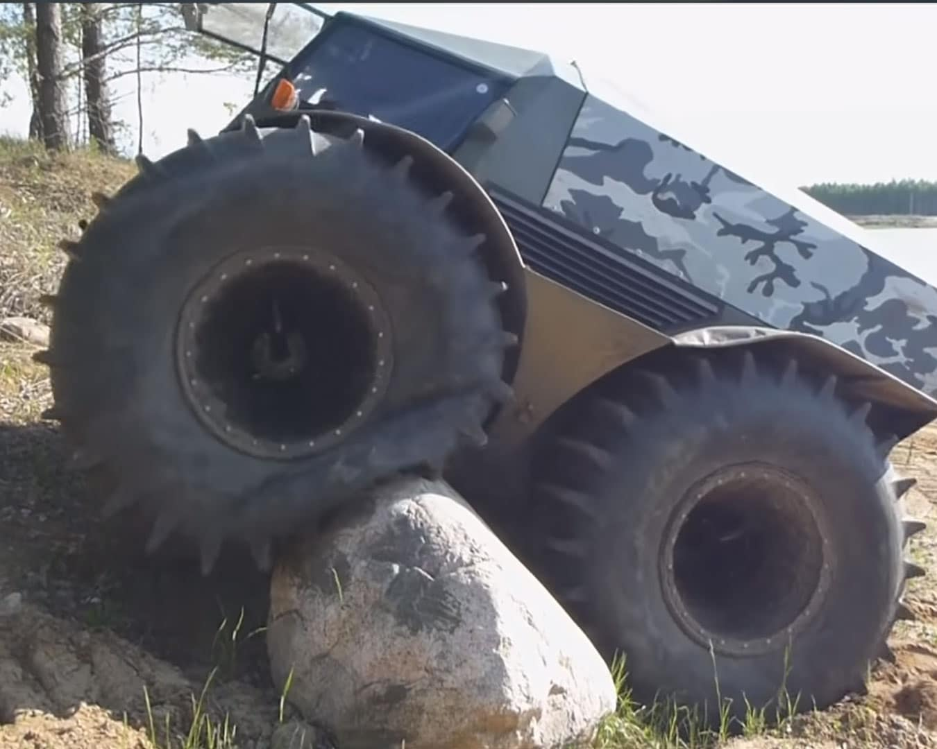 Sherp-ATV-Over-Rock